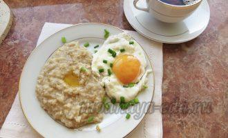 Овсяная каша и яйцо