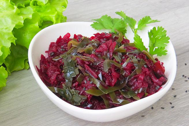 Салат из свеклы с морской капустой