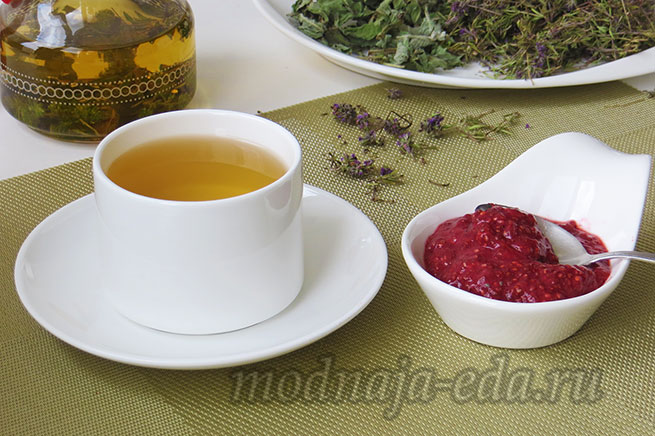 Клубничный джем без сахара к чаю