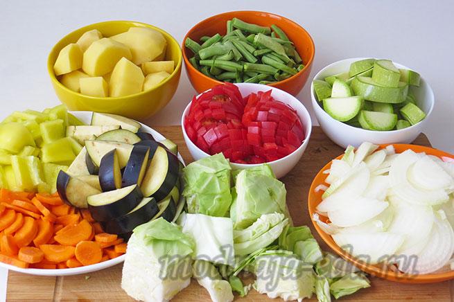 Тушеные овощи. Подготовленные овощи.