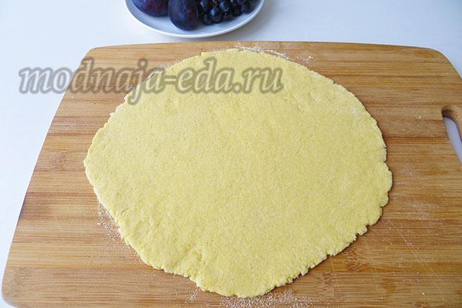 Галета с фруктами - раскатанное тесто